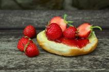 Dżem truskawkowy niskosłodzony - jak zrobić? [sprawdzony przepis]