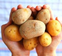 Jak gotować ziemniaki - obrane albo w mundurkach?