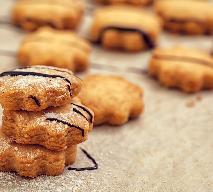 Kruche ciasteczka z miodem: przepis na jesienny przysmak