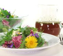 Sałatka z chwastów - przepis na sałatkę z mniszkiem lekarskim i pokrzywą