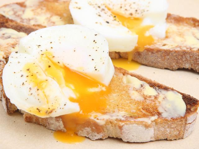 Jajka Bez Skorupek Jak Ugotowac Sposoby Gotowania Jajek Beszamel
