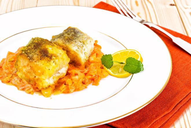 Ryba po grecku - sprawdzony przepis na pyszną rybę