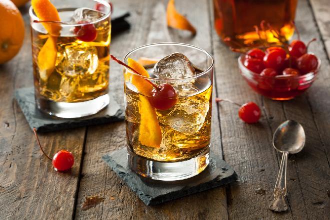 Drink z whisky: podajemy dobry przepis na orzeźwiający drink