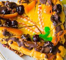 Mazurek orzechowy: przepis na pyszne kruche ciasto z masą orzechową na Wielkanoc