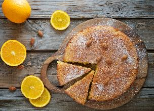 Pomarańczowe ciasto ponczowe do popołudniowej herbaty: przepis na biszkopt tłuszczowy