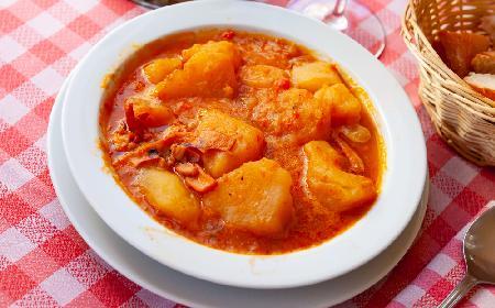Paprykarz ziemniaczany - smaczny przepis kuchni węgierskiej
