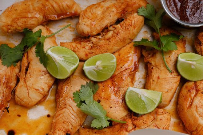 Bezkonkurencyjne polędwiczki z kurczaka z kolendrą i limonką