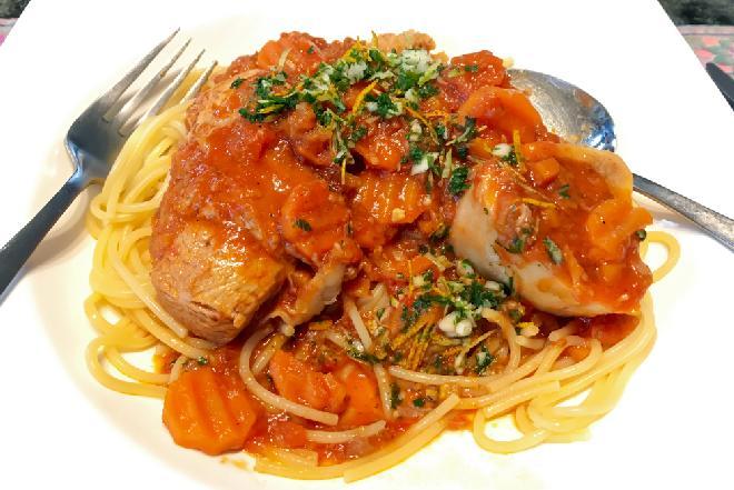 Sznycle z szynki w sosie pomidorowo-koperkowym